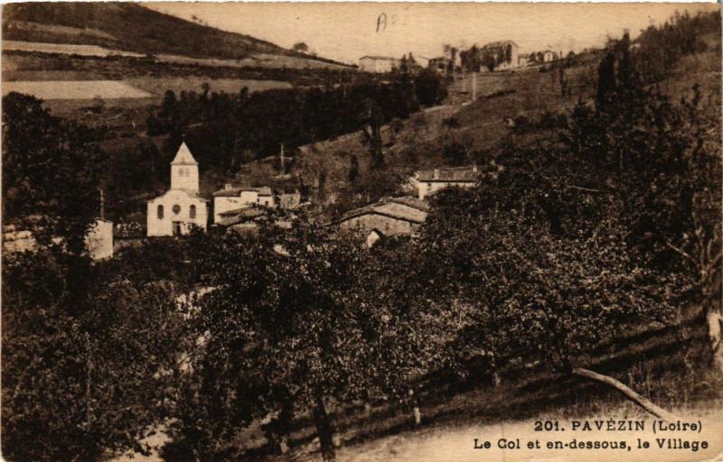 Carte postale ancienne Pavezin- Le Col et en dessous, le Village à Pavezin