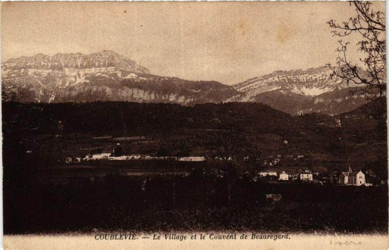 Carte postale ancienne Coublevie - Le Village et le Couvent de Beauregard à Coublevie