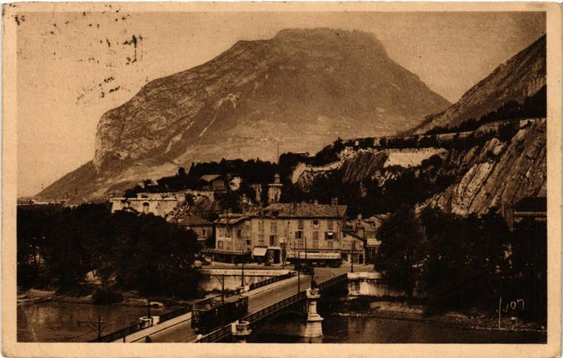 Carte postale ancienne Grenoble - Le Pont-de-France et le Casque de Neron à Grenoble