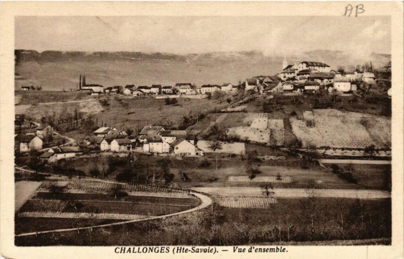 Carte postale ancienne Challonges Vue d'ensemble à Challonges
