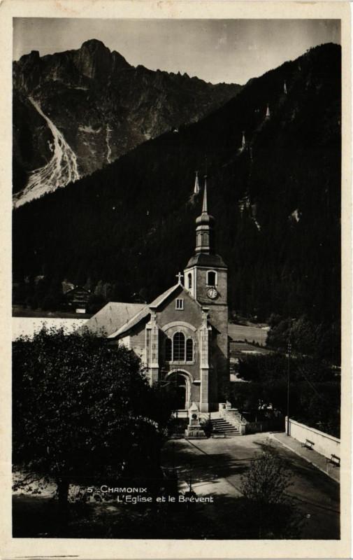Carte postale ancienne Chamonix L'Eglise et le Brevent à