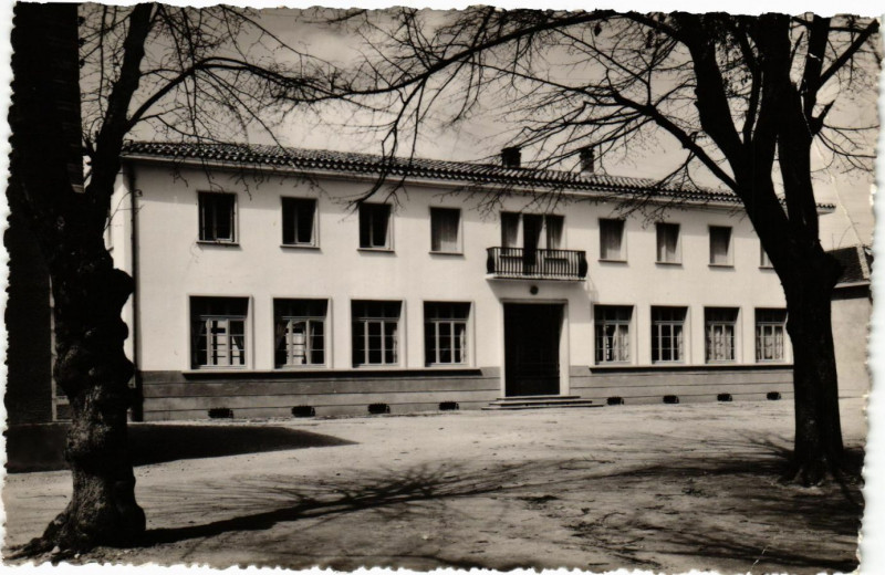 Carte postale ancienne Lapeyrouse Mornay - L'Ecole à Lapeyrouse-Mornay
