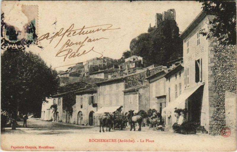 Carte postale ancienne Rochemaure - La Place à Rochemaure