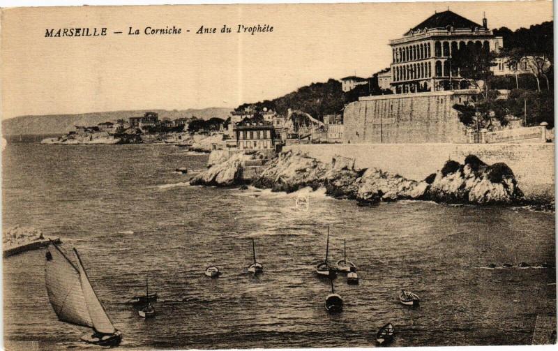 Carte postale ancienne Marseille-La Corniche-Anse du l'rophete à Marseille