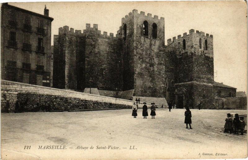Carte postale ancienne Marseille-Abbaye de St-Victor à Marseille