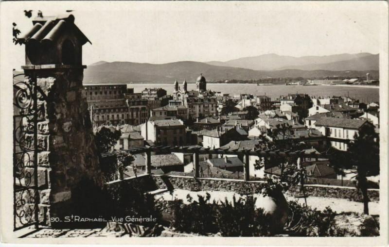 Carte postale ancienne Saint Raphael vue generale France