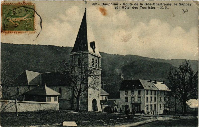 Carte postale ancienne Dauphiné - Route de la Grande-Chartreuse, le Sappey et l'Hôtel des Touristes à Le Sappey-en-Chartreuse