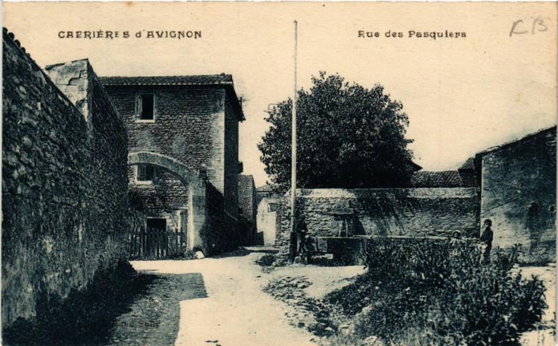 Carte postale ancienne Cabrieres d'Avignon - Rue des Pasquiers à Cabrières-d'Avignon
