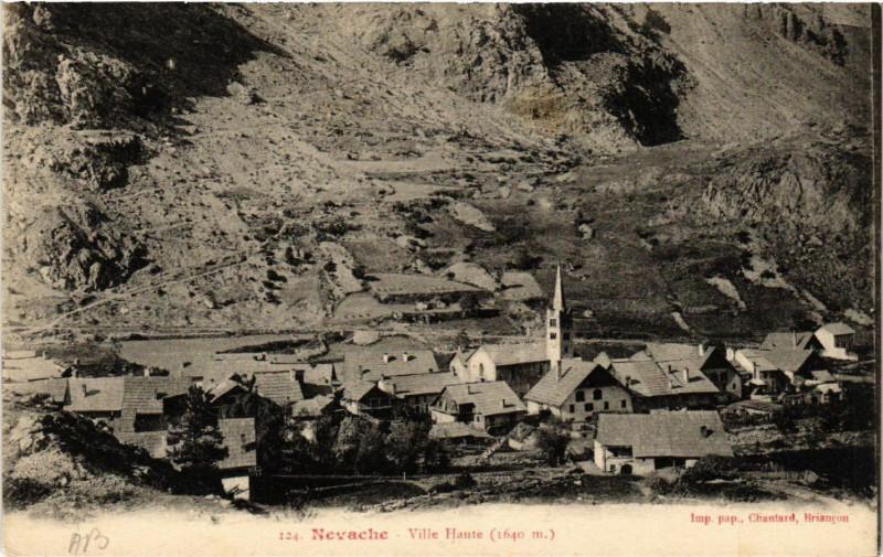 Carte postale ancienne Nevache - Ville Haute (1640 m) à Névache