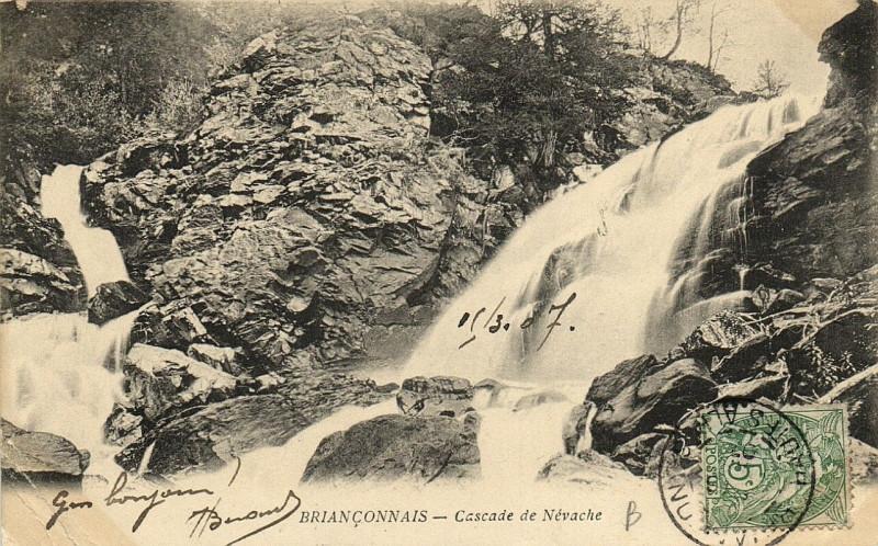 Carte postale ancienne Brianconnais - Cascade de Névache à Névache