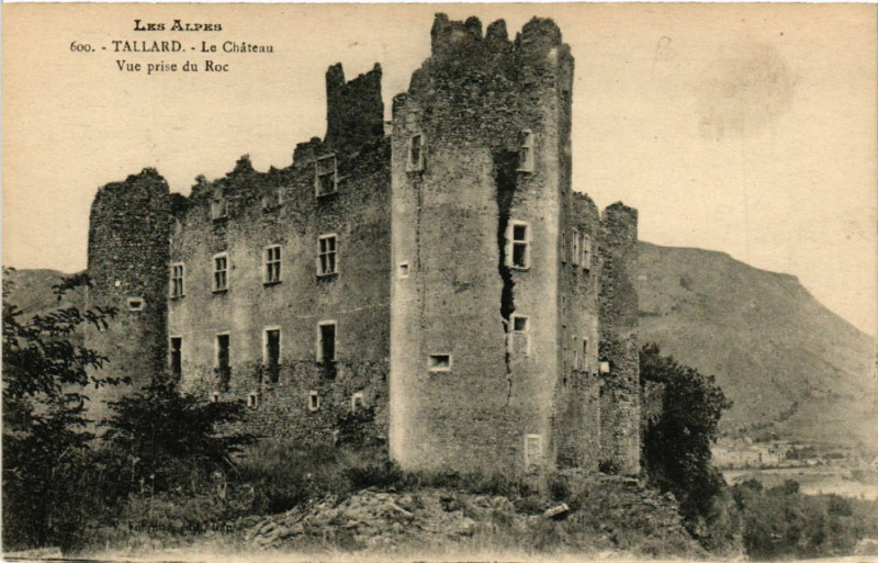 Carte postale ancienne Tallard - Le Chateau à Tallard