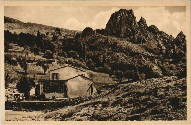 Carte postale ancienne Les Gorges du Verdon Le Restaurant du Point de Vue En haut Rougon à Rougon