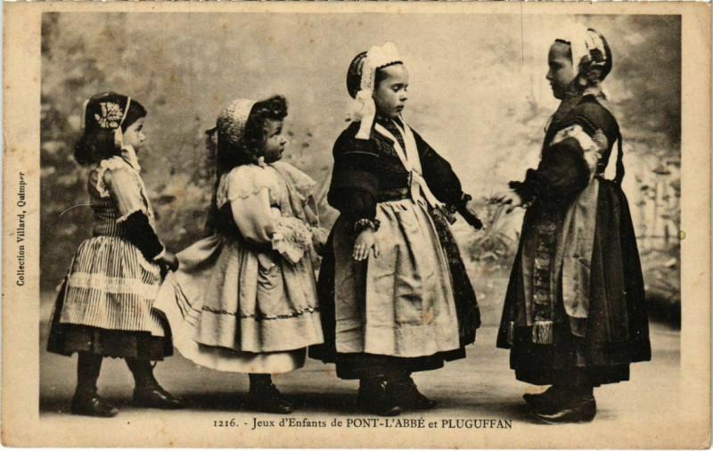 Carte postale ancienne Jeux d'enfants de Pont l'Abbe et Pluguffan France à Pluguffan