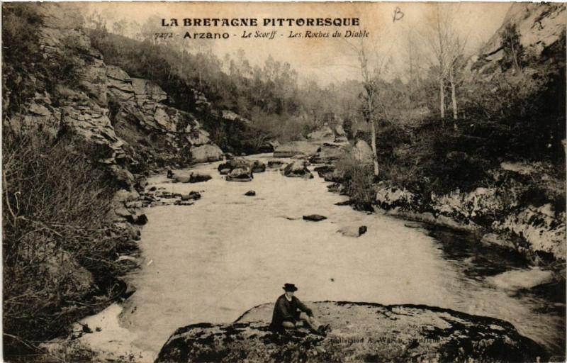 Carte postale ancienne Arzano - Le Scorff - Les Roches du Diable à Arzano
