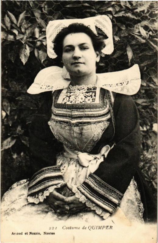 Carte postale ancienne Costume de Quimper à Quimper