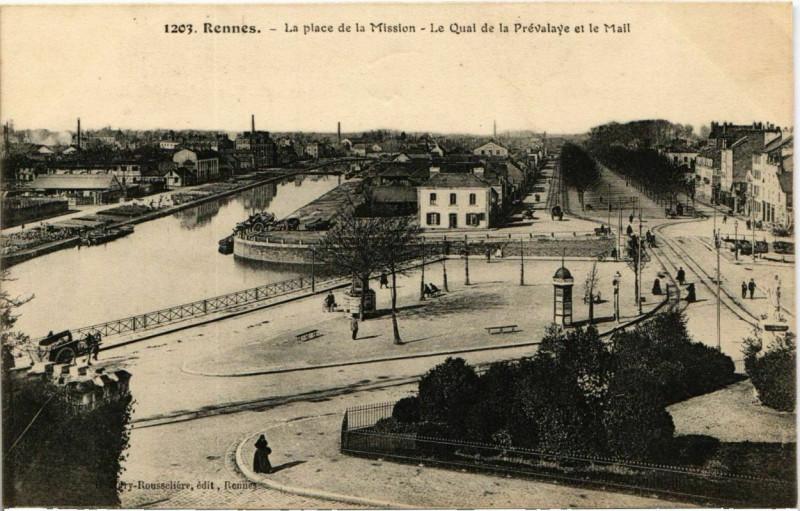 Carte postale ancienne Rennes La place de la Mission France à Rennes