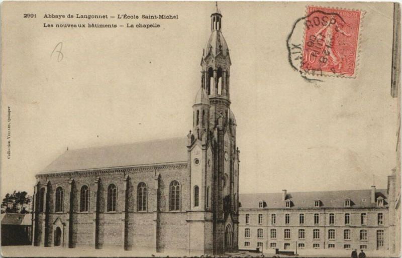 Carte postale ancienne Abbaye de Langonnet-L'Ecole Saint-Michel-Les nouveaux batiments à Langonnet
