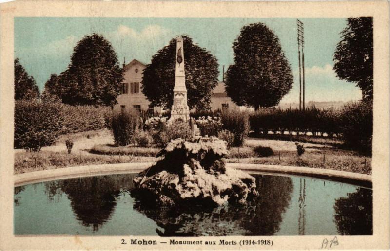 Carte postale ancienne Mohon - Monument aux Morts (1914-1918) à Mohon