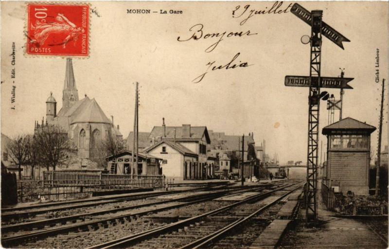 Carte postale ancienne Mohon - La Gare à Mohon