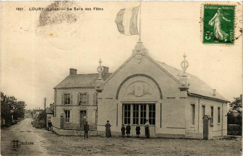 Carte postale ancienne Loury La Salle des Fetes à Loury