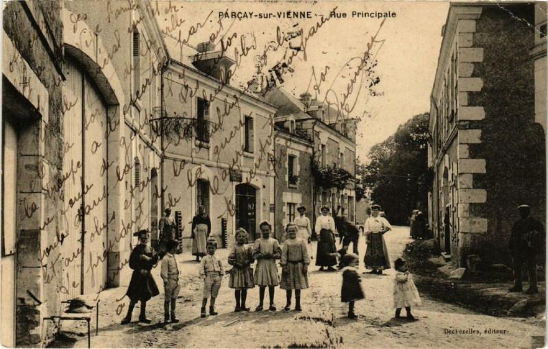 Carte postale ancienne Parcay-sur-Vienne Rue Principale à Parçay-sur-Vienne