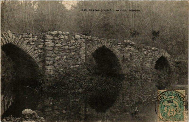 Carte postale ancienne Esvres Pont romain à Esvres