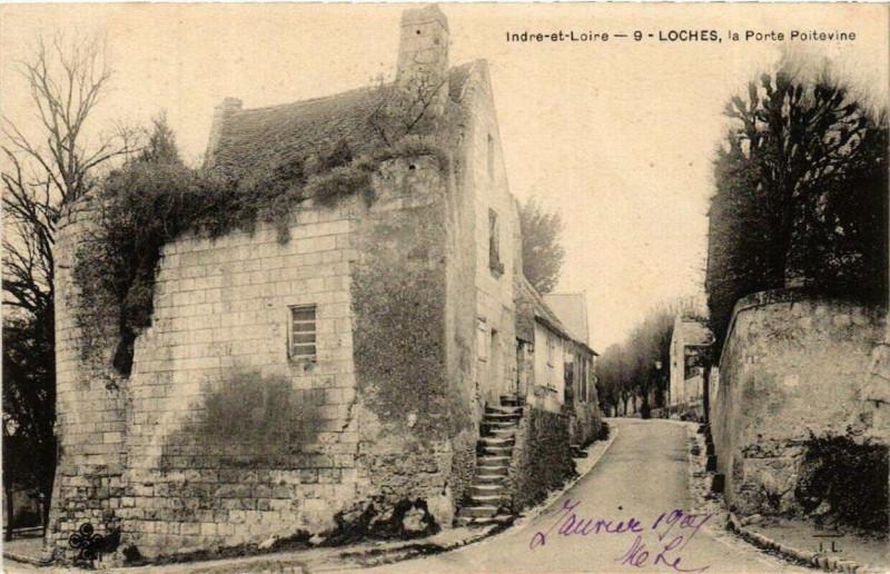 Carte postale ancienne Loches la Porte Poitevine à Loches
