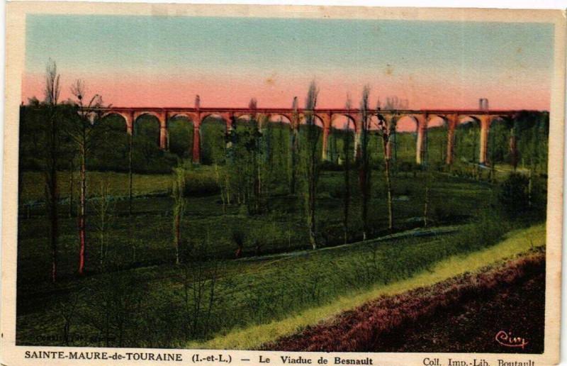 Carte postale ancienne Sainte-Maure-de-Touraine Le Viaduc de Besnault à Sainte-Maure-de-Touraine