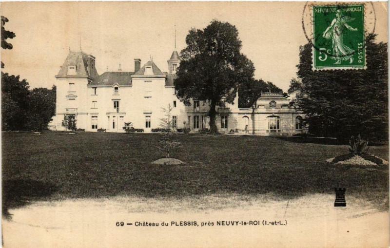 Carte postale ancienne Neuvy-le-Roi Chateau du Plessis à Neuvy-le-Roi