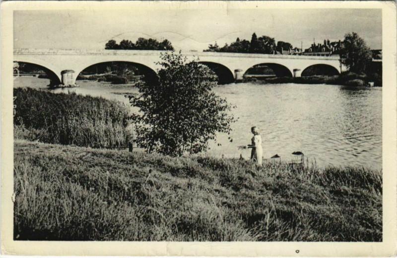 Carte postale ancienne Blere - le port à Bléré