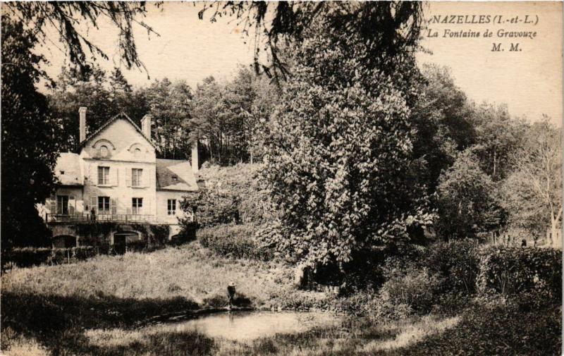 Carte postale ancienne Nazalles La Fontaine de Gravouze à Vou