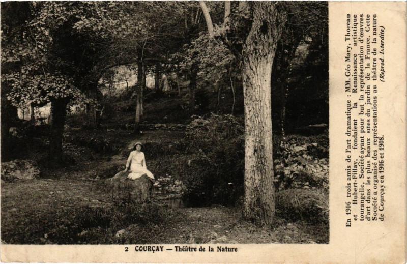 Carte postale ancienne Courcay - Theatre de la Nature à Courçay