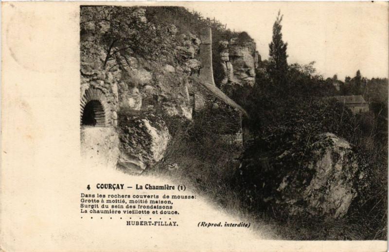 Carte postale ancienne Courcay - La Chaumiere à Courçay