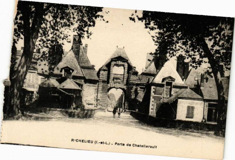 Carte postale ancienne Richelieu (I. et L.) - Porte de Chatellerault à Richelieu