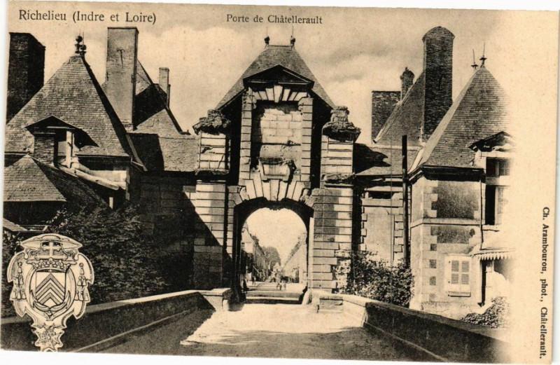 Carte postale ancienne Richelieu (Inde et Loire) - Porte de Chatellerault à Richelieu