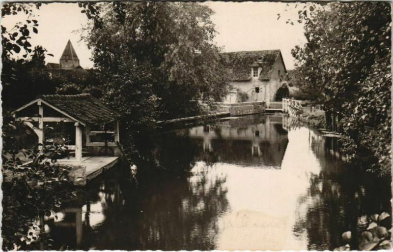Carte postale ancienne Villemeux-sur-Eure L'Eure au Moulin à Villemeux-sur-Eure
