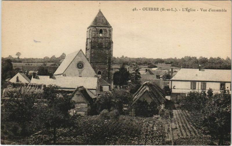 Carte postale ancienne Ouerre - L'Eglise - Vue d'ensemble à Ouerre