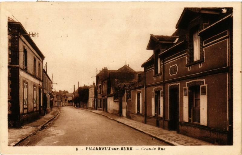 Carte postale ancienne Villemeux sur Eure - Grande Rue à Villemeux-sur-Eure