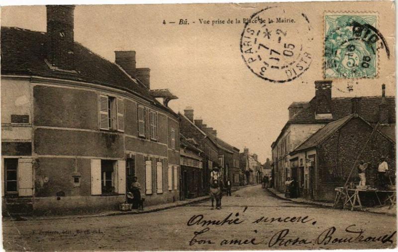 Carte postale ancienne Bu-Vue prise de la Place de la Mairie à Bû