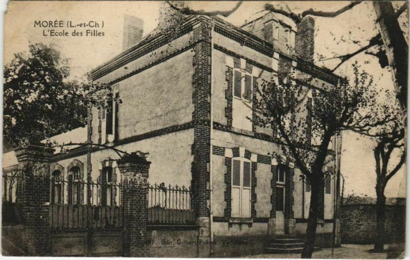 Carte postale ancienne Moree-L'Ecole des Filles à Morée