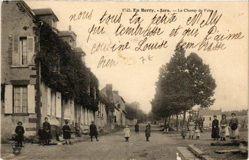 Carte postale ancienne Jars - Le Champ de Foire à Jars