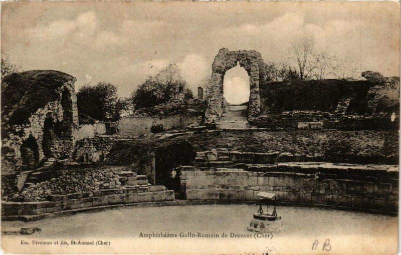 Carte postale ancienne AmphiThéatre Gallo-Romain de Drevant à Drevant
