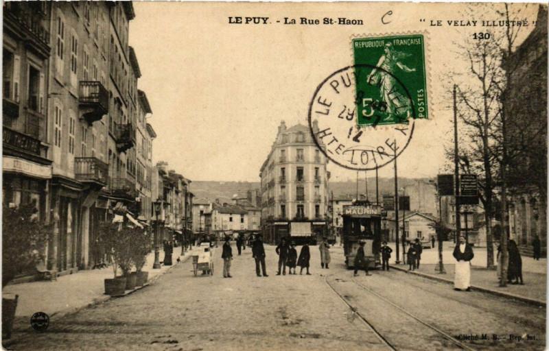 Carte postale ancienne Le Puy - La Rue Saint-Haon - Le Velay Illustre à Saint-Haon