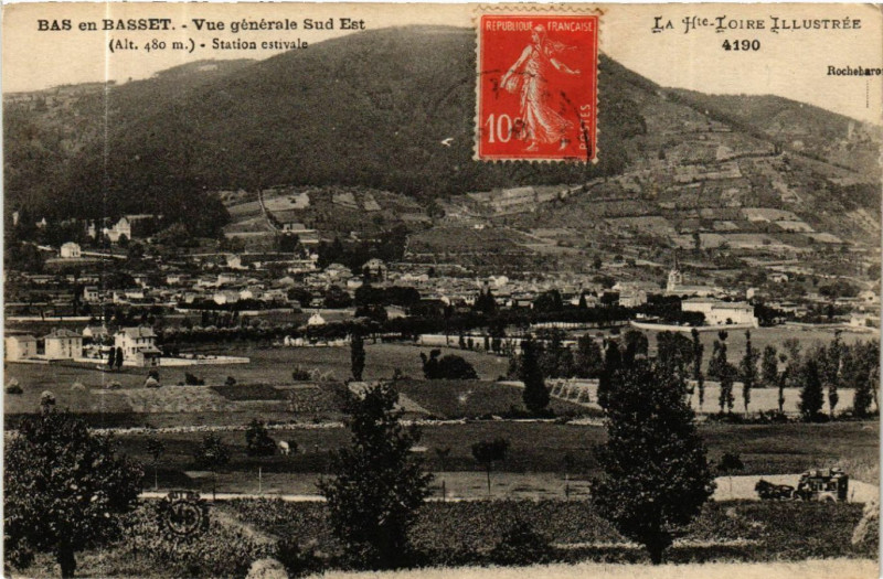 Carte postale ancienne Bas-en-Basset - Vue generale Sud Est (Alt 480 m) Station estivale à Bas-en-Basset