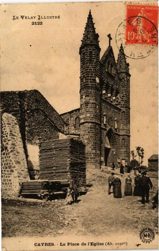 Carte postale ancienne Cayres - La Place de l'Eglise à Cayres