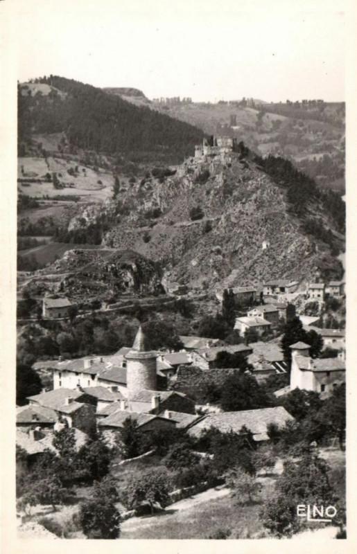 Carte postale ancienne Goudet (Hte-Loire) Vue partielle et le Chateau à Goudet