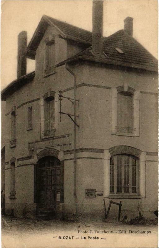 Carte postale ancienne Biozat (Dep.03) La Poste à Biozat