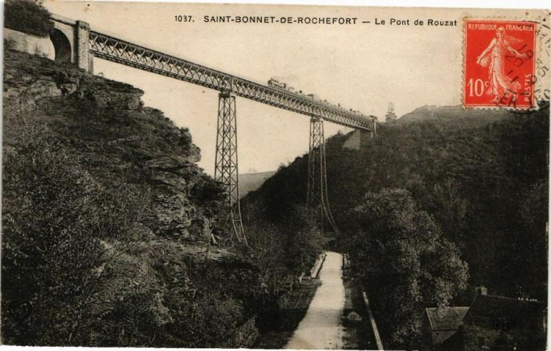 Carte postale ancienne Saint-Bonnet-de-Rochefort - Le Pont de Rouzat à Saint-Bonnet-de-Rochefort