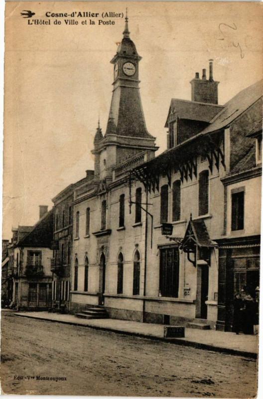 Carte postale ancienne Cosne-d'Allier L'Hotel de Ville et la Poste à Cosne-d'Allier
