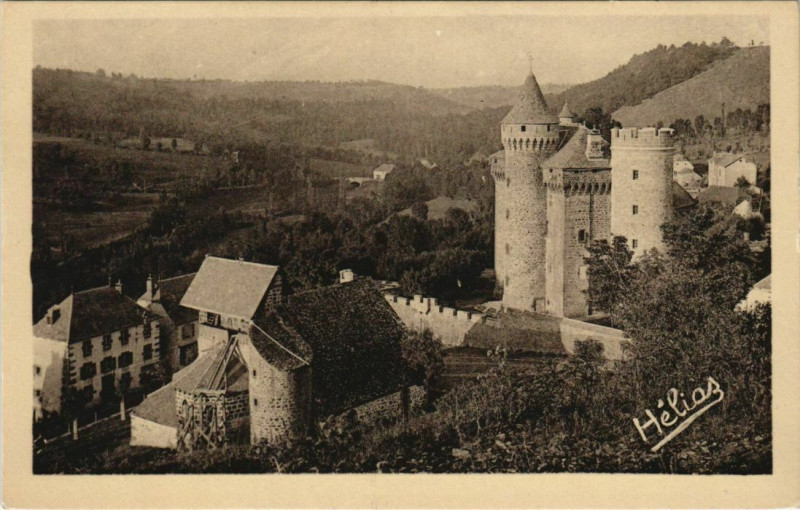 Carte postale ancienne Les Ternes L'Eglise et le Chateau France aux Ternes